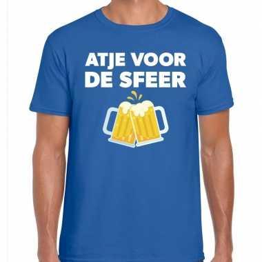 Atje voor de sfeer feest t-shirt blauw voor herenfeestje!