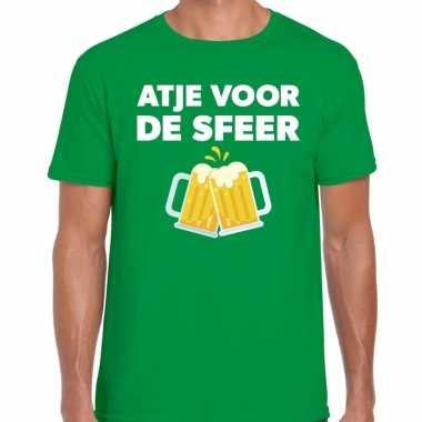 Atje voor de sfeer feest t-shirt groen voor herenfeestje!