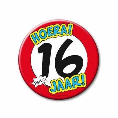 Feestartikelen xxl 16 jaar verjaardags button- feestje!