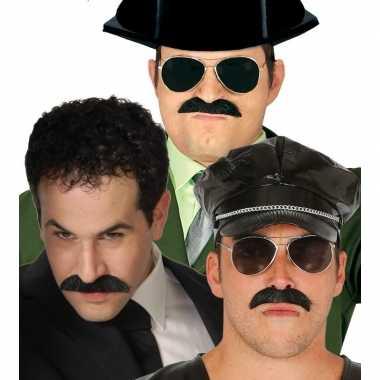 Feestartikelen zwarte snor voor heren- feestje!
