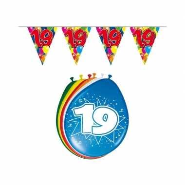 Leeftijd feestartikelen 19 jaar setje feestje