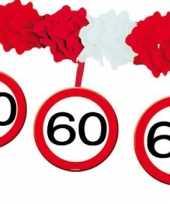 60 jaar verjaardag feest slingers met stopborden van 4 meter feestje